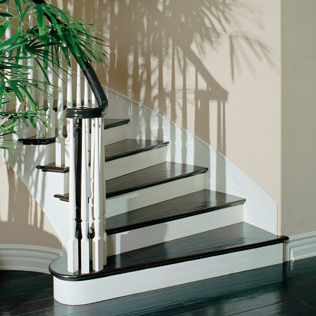Simple Hardwood Staircase with Contrast