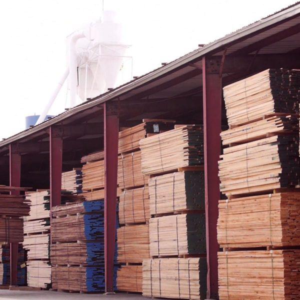 Saroyan-Hardwoods_Hardwood-Lumber-Stacks